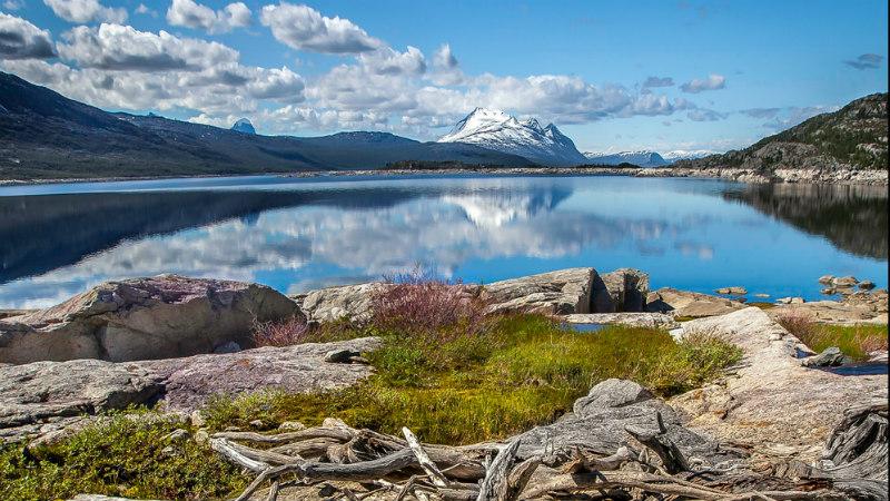 En sjö vid Lapplandsfjällen